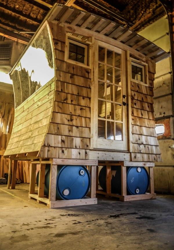 gypsy-tug-micro-cabin-001