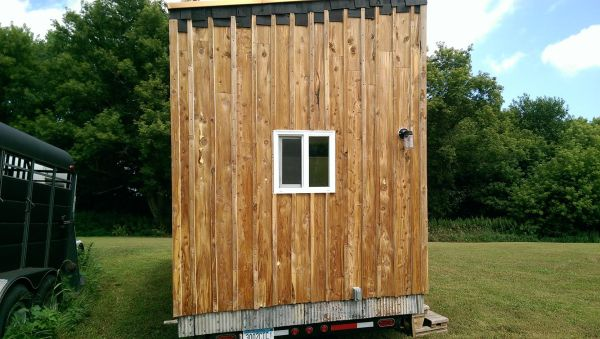 handymans-fantastic-almost-finished-tiny-house-005