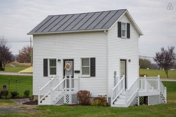 Two-Story Tiny Cottage In Harrisonburg, Virginia