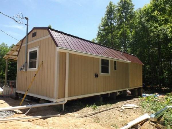 Homeless 83-year-old Widow Gets Barn Tiny Home 02