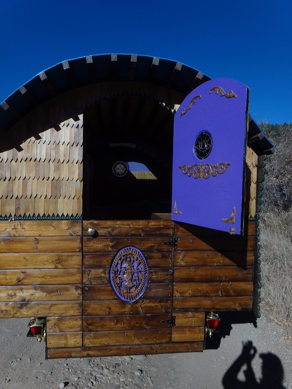 incredible-gypsy-wagon-caravan-for-sale-008