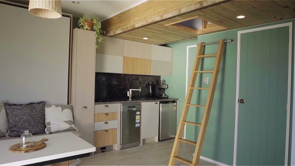 Jaco and Doms Dream Tiny House in New Zealand via Mitre 10 Tiny House with George Clarke 002