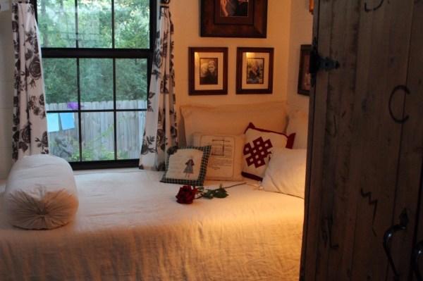 Kathys 16 x 28 Tiny Cottage in Texas 0025