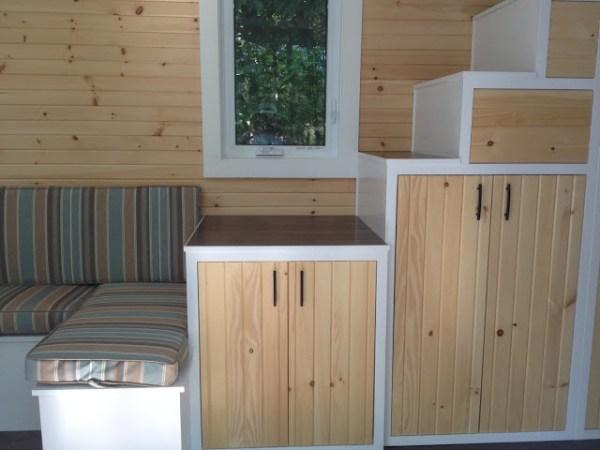 LGV Tiny House by Full Moon Tiny Shelters 004