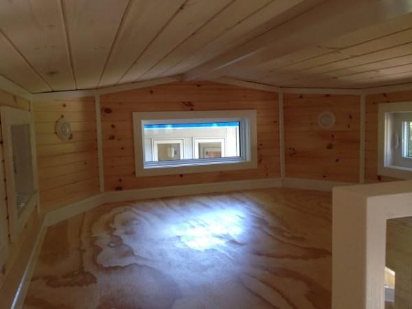 LGV Tiny House by Full Moon Tiny Shelters 005