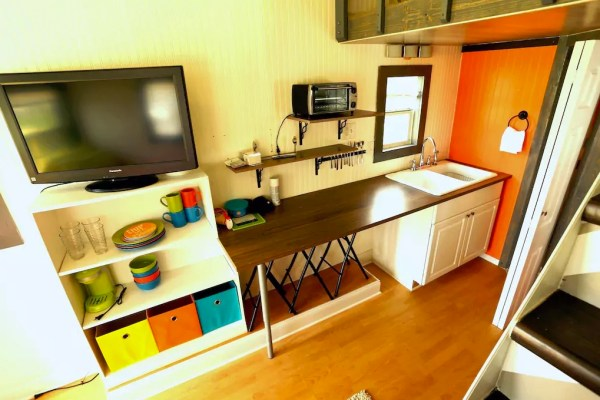lakefront-tiny-house-in-orlando-004