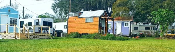 lakefront-tiny-house-in-orlando-007