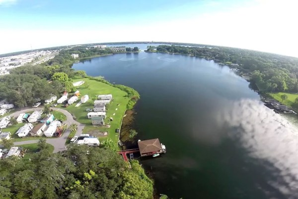 lakefront-tiny-house-in-orlando-008
