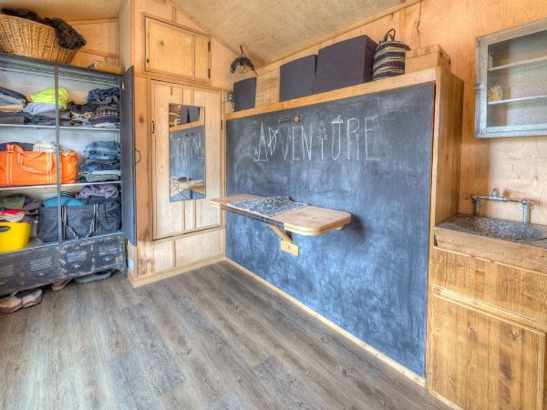Lewis & Clark's Tiny House Vacation Rental 007