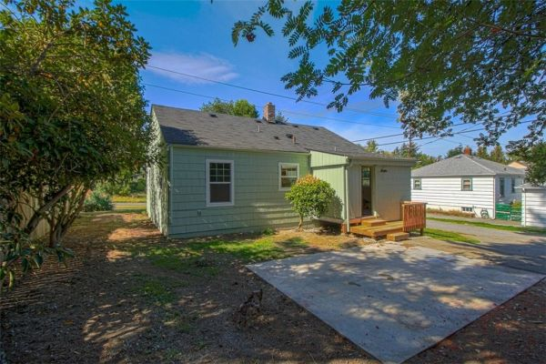 little-bungalow-in-olympia-for-209k-016