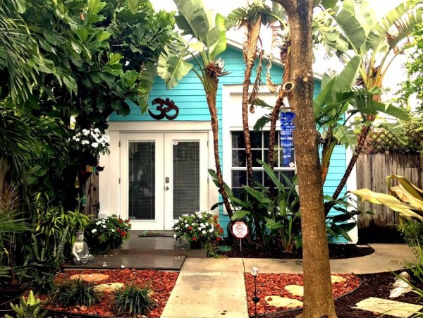 Little Cottage in Lake Worth For Sale 001