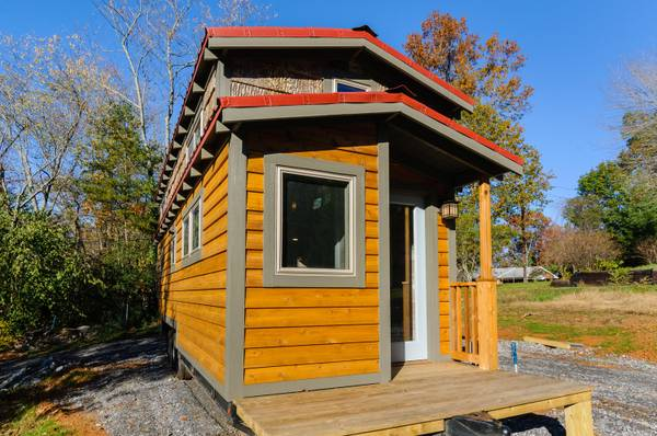 luxury-tiny-house-for-sale-in-asheville-002