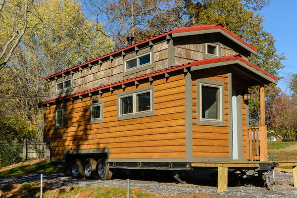 luxury-tiny-house-for-sale-in-asheville-004