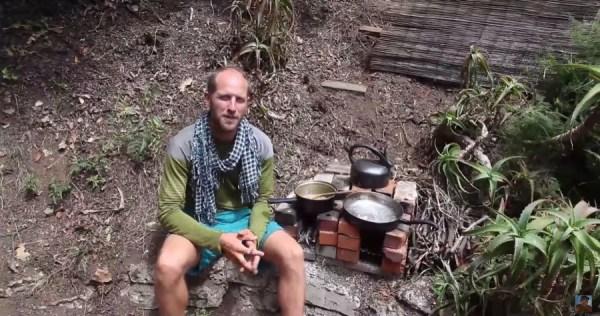 Man Simplifies into Off-Grid Micro Cabin Life in California 0010