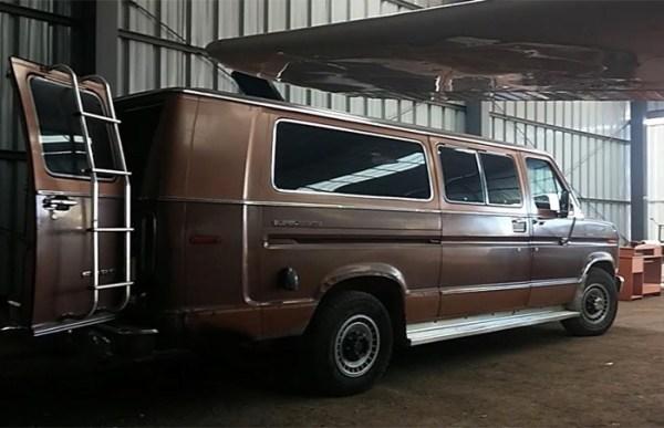 Mans DIY Micro Office and Camper Van 001