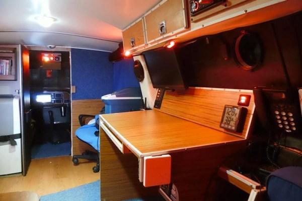 Mans DIY Micro Office and Camper Van 006