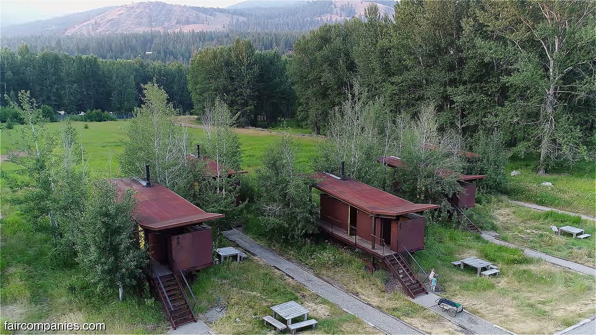190 Sq Ft Tiny Rolling Hut Cabins In Methow Valley