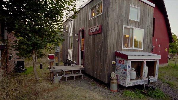 MJ Boyle tiny house exterior