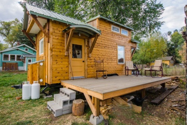 Incredible Tiny Home Built on an 18' Trailer that will Amaze You