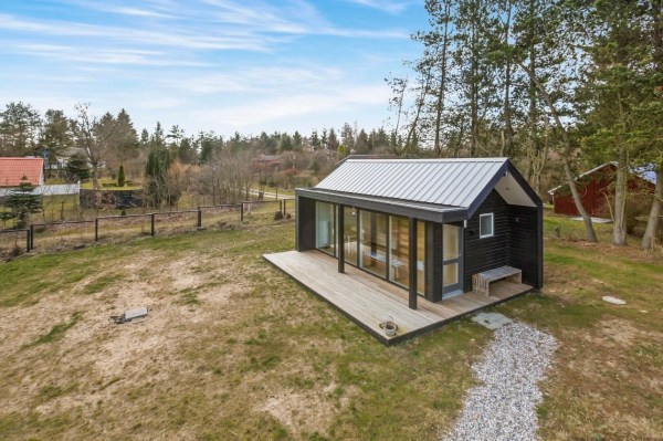 Modern Tiny Cabin For Sale 002