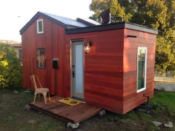Modern Tiny House Vacation in Oakland 001