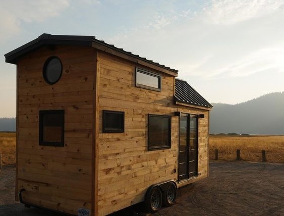 Modern Tiny House by Tongue and Groove 004