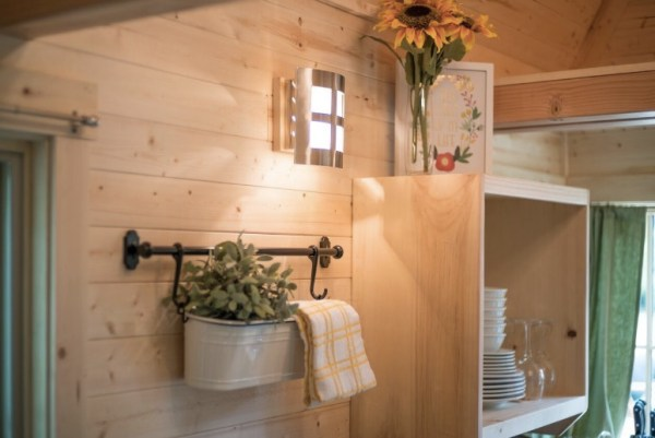 Mt Hood Savannah Tiny House Community via TinyHouseTalk-com 003