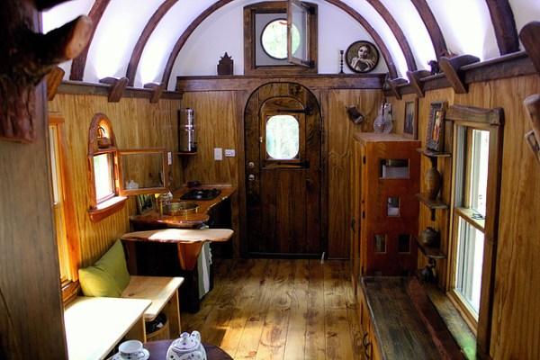 old-time-caravan-tiny-house-005
