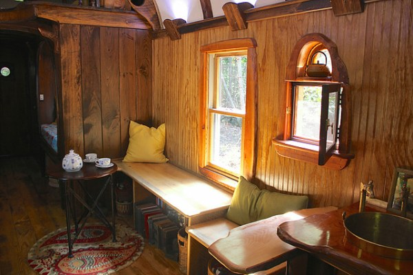 old-time-caravan-tiny-house-016