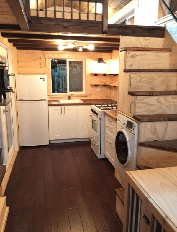 Oregon tiny house on one acre of land sold for Small houses oregon