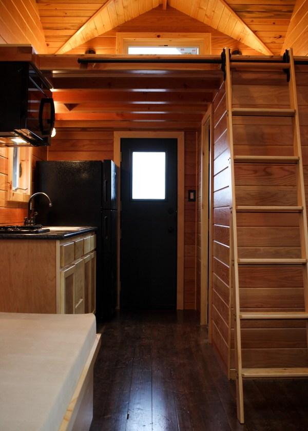Oregon Trail by Tiny Smart House_009