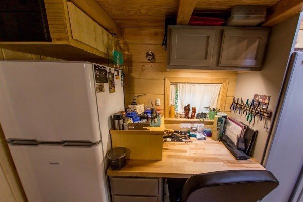 Portable Pioneer Tiny House Photo by Aaron Lingenfielter via TinyHouseTalk-com 0028