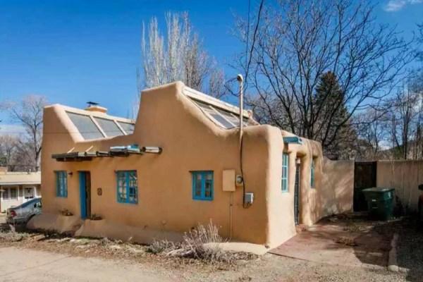 Pueblo-Style Solar Home For Sale in Santa Fe 0020