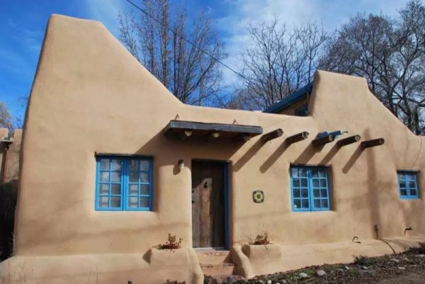Pueblo-Style Solar Home For Sale in Santa Fe 0022