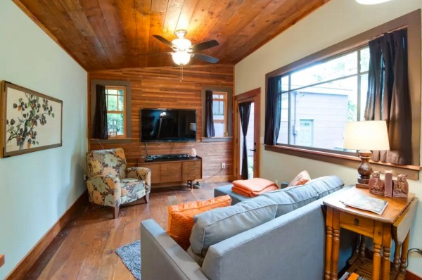 Purple Tiny Cottage in Portland 0010