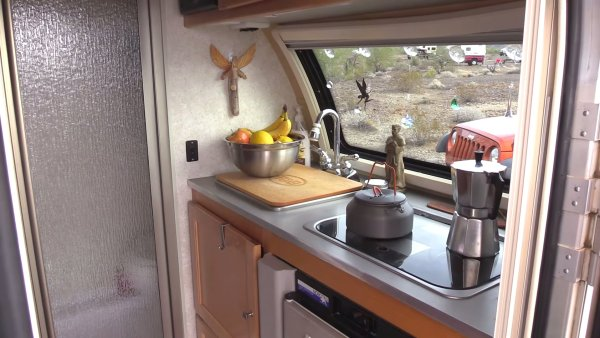 Retired Woman Living Nomadic in TAB Teardrop Trailer with Jeep 004