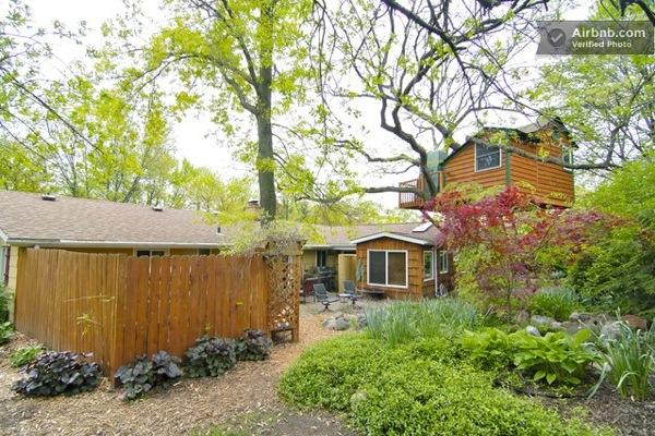 Romantic-Garden-Treehouse-11