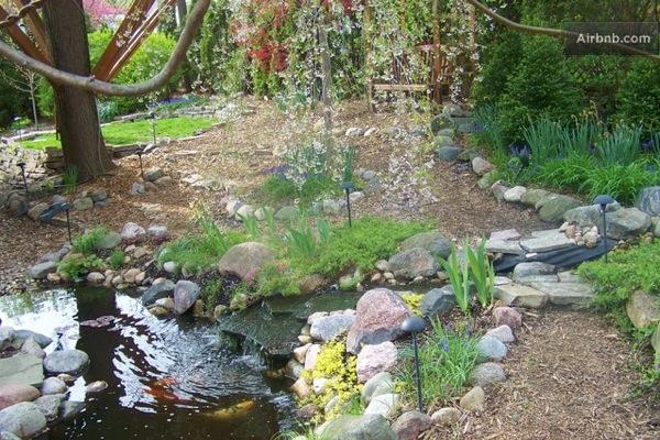 Romantic-Garden-Treehouse-19
