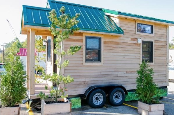 Roving Tiny House For Sale 001