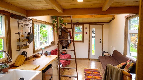 Sam's tiny house tour - Exploring Alternatives 3