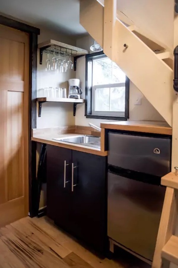 seattle-tiny-house-you-can-rent-0011