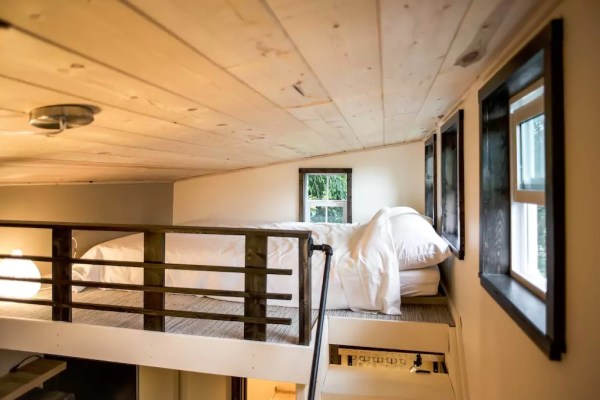 seattle-tiny-house-you-can-rent-005