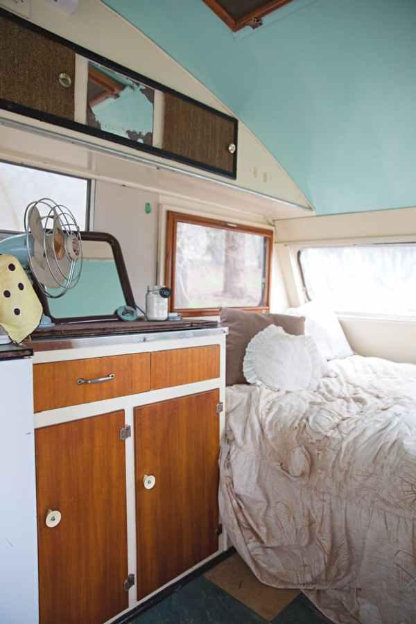 shack-caravan-tram-tiki-bar-24