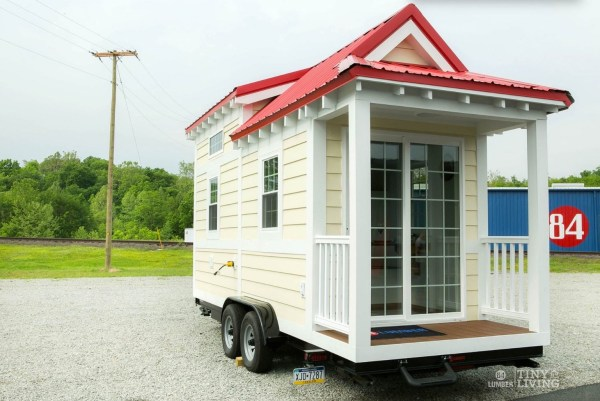 Shonsie Tiny House in Red 0016