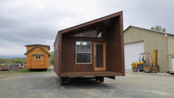sleek-sonoma-cabin-by-richs-portable-cedar-cabins-2