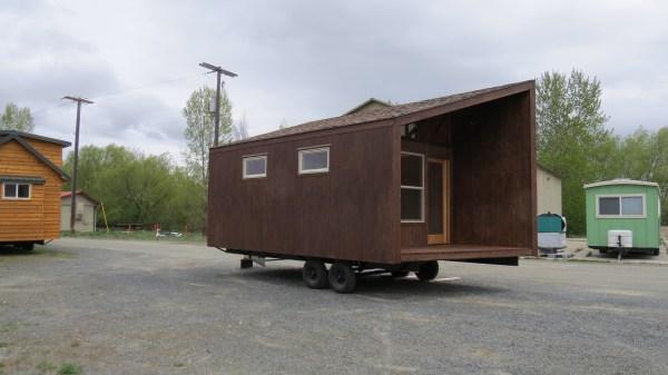 sleek-sonoma-cabin-by-richs-portable-cedar-cabins-3