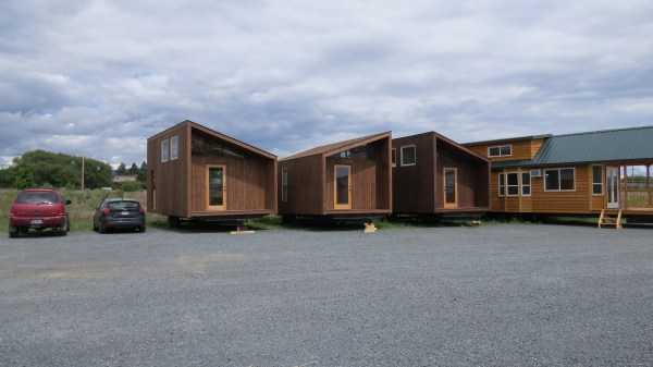 sleek-sonoma-cabin-by-richs-portable-cedar-cabins-5