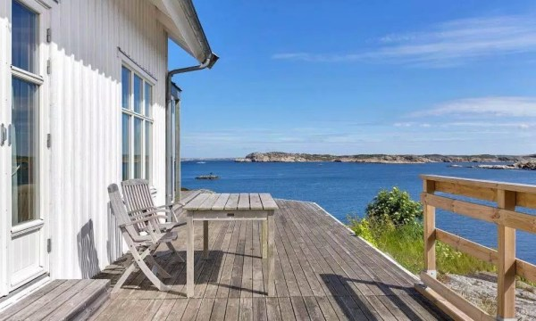 Small Coastal Cottage in Sweden 0014