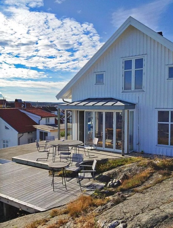 Small Coastal Cottage in Sweden 0015