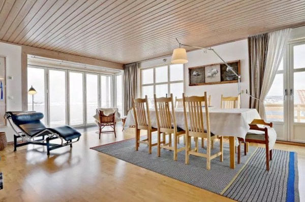 Small Coastal Cottage in Sweden 004